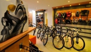 Alpinbike Klub kerékpárüzlet   www.mozgasvilag.hu