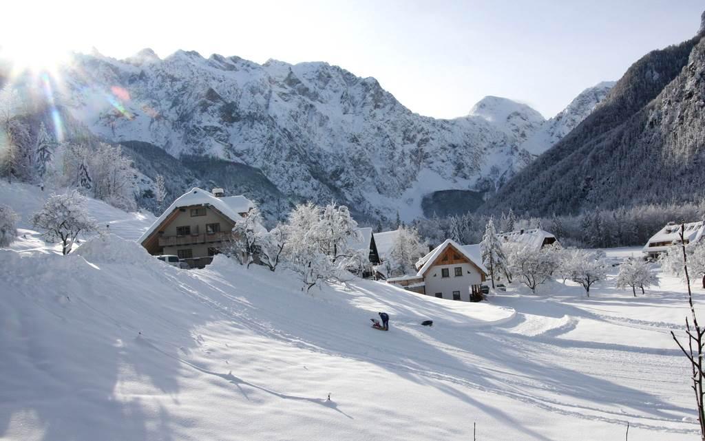 A két vendégház a völgyben Forrás: www.lenar.si