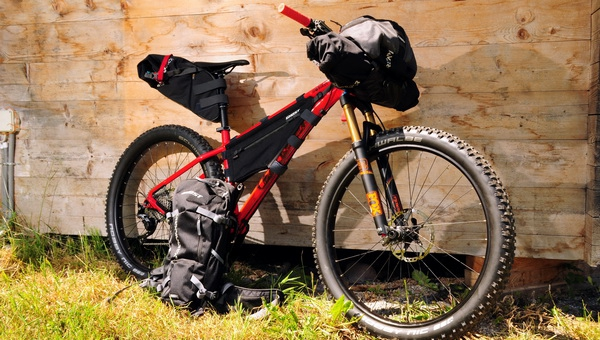 Ghost nomád túra táska szett