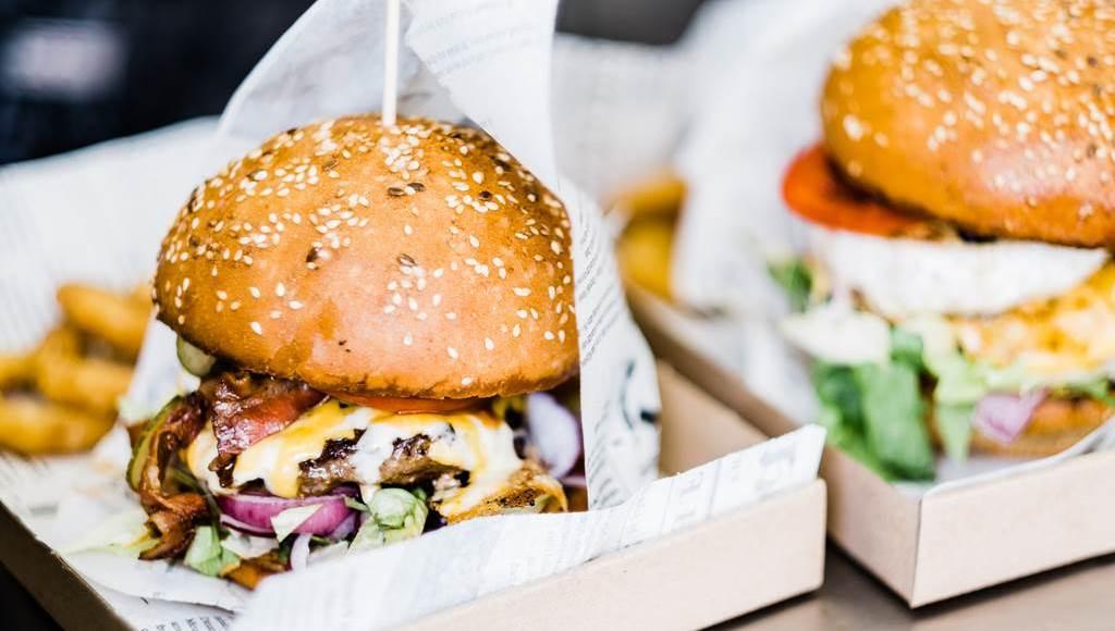 Burger Bár-hol