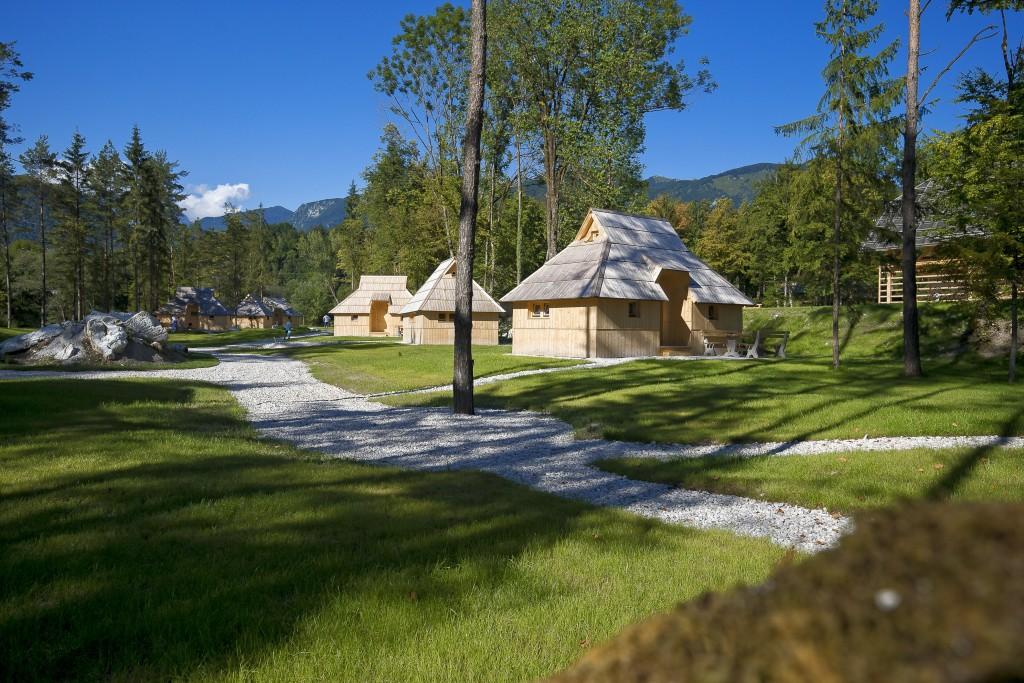 Az Eco Resort Kamniknál Forrás: www.sloveniaecoresort.com