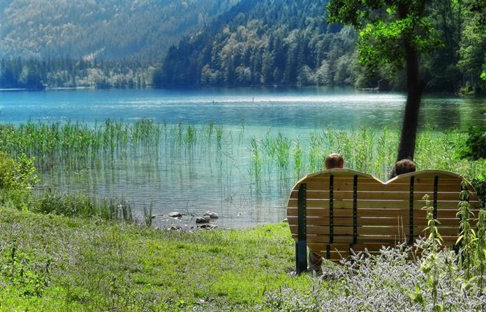 Pihenés a Leopoldsteiner See mellett Forrás: www.hochsteiermark.at