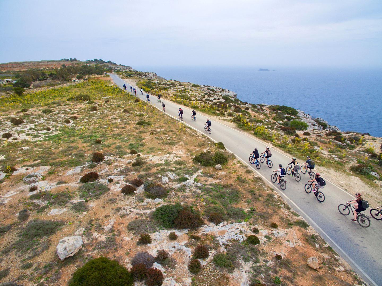 Országúti kerékpározás Forrás: www.mcadventure.com.mt