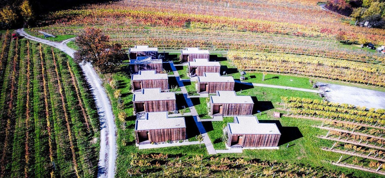 Wohnotek - szállás faházakban a szőlővidéken Forrás: www.wachter-wiesler.at