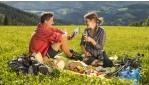 Tavaszi túrázás a virágzó Joglland vidéken