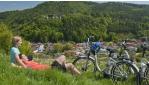 E-bike-kal a Bucklige Welt dombvidékén